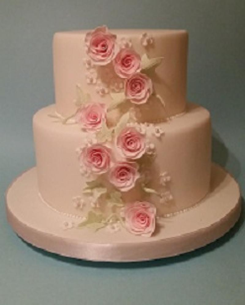 wedding cake stand hire ashford kent kent cookery school cake decorating classes ashford 25615